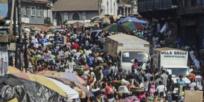 OMS avertizeaza ca epidemia de Ebola ar putea afecta mii de persoane