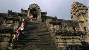 SCARILE MORTII. Cum arata cele mai infricosatoare scari din lume