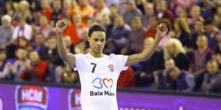 Scandal de rasism in handbalul feminin romanesc. Suporterii echipei lui Tadici au facut-o sa planga pe Allison Pineau