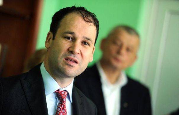 Robert Negoita, atentionare pentru Catalin Predoiu: 5 ani din perioada analizata in Raportul Curtii de Conturi ii revin lui Liviu Negoita