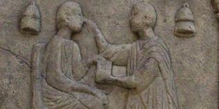 Cum faceau medicina romanii, cei care au inventat forcepsul, bisturiul si acul chirurgical