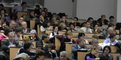 PSD refuza depolitizarea scolilor. Ecaterina Andronescu a initiat si o lege care sa amane concursul pentru ocuparea fotoliilor de director