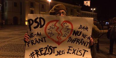 A 15-a zi de proteste: in jur de 300 de persoane in Piata Victoriei. Zeci de oameni au protestat in fata Palatului Cotroceni