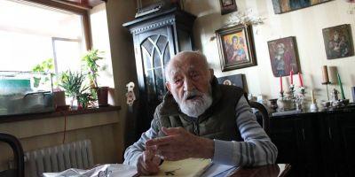 Nicolae Tomaziu, ultimul supravietuitor al lagarului de munca de la Canalul Mortii, omagiat la 101 ani