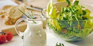 Cinci retete rapide de dressinguri pentru salate delicioase. Secretele dezvaluite de chef Mihai Cristian