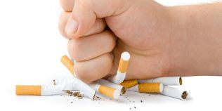 Romania, la un an de la interzicerea fumatului in spatiile publice inchise: mai putine internari in spital, afaceri mai bune pentru restaurante
