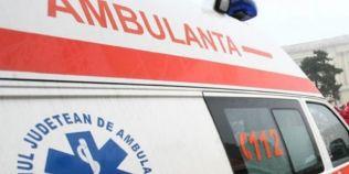 Un englez in ghips suna la 112 ca sa-l apere de infirmierele si de brancardierii din spital...