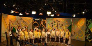 Grupul folcloric in care artistele poarta costume populare vechi de un secol. Cum au ajuns