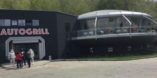 O noua atractie pe Valea Prahovei: restaurantul in forma de OZN, unde esti intampinat de Darth Vader