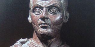 Vacarul geto-dac care a reusit sa ajunga imparat al Romei. A planuit un imperiu dacic si i-a persecutat crunt pe crestini