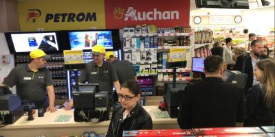 FOTO Auchan a dechis primul magazin de proximitate intr-o benzinarie Petrom