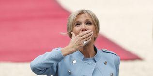 Brigitte Trogneux, prima-doamna a Frantei, se va inspira de la Carla Bruni-Sarkozy
