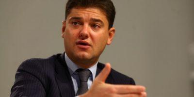 Cristian Boureanu, aflat in arest, a invocat dureri de cap si a solicitat sa fie transportat la spital