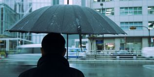 Prognoza meteo: toamna isi intra in drepturi. Cat de mult scad temperaturile si in ce regiuni lovesc ploile