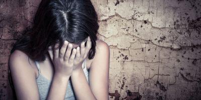 Drama copilei de 14 ani care a fost vanduta de fratele sau cu 300 de euro. Trauma emotionala severa dupa ce a fost obligata sa se prostitueze in Turcia