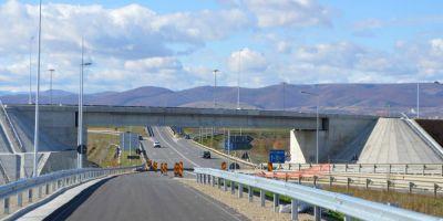 FOTO VIDEO Alunecarile de teren amana finalizarea lucrarilor pe lotul 4 al Autostrazii Sebes - Turda. In ce conditii se va putea circula pana la finalul anului
