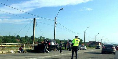 Accident rutier grav pe soseaua Deva - Hunedoara: o femeie a adormit la volan si a izbit cu masina un cap de pod