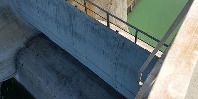 Barajul de la Bicaz, amenintat de apa din cer. Cum afecteaza ploile functionarea in parametri normali a colosului din beton